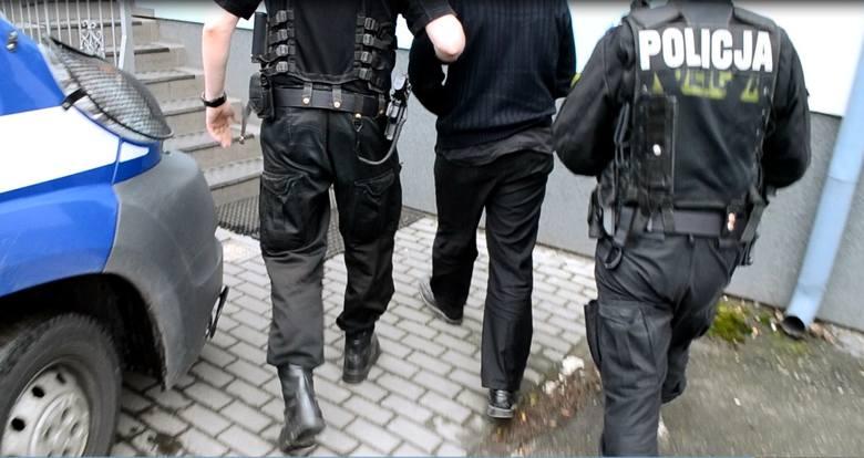 Dariusz K. w miniony wtorek został doprowadzony przez policjantów z aresztu do sądu w Oświęcimiu
