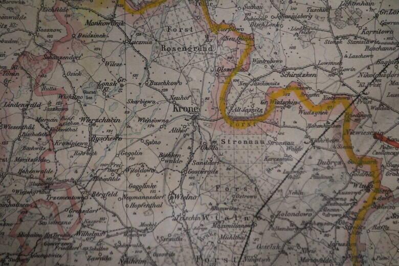 Wracamy do mapy sprzed 120 lat. Widzimy na niej Koronowo...