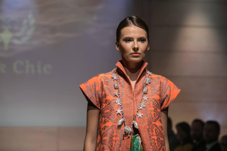 Kraków. Pokaz mody indonezyjskiej w Muzeum Sztuki i Techniki Japońskiej Manggha [ZDJĘCIA]