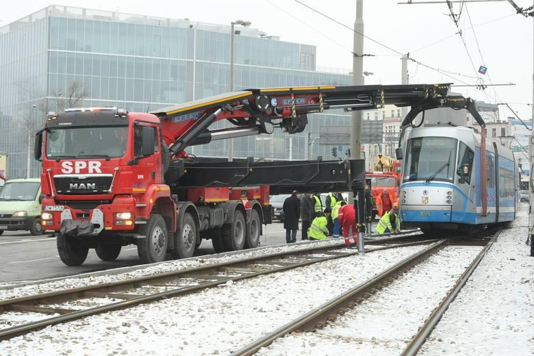 Maszyna europejskiego formatu na wrocławskiej ulicy podczas swojej pierwszej akcji 29 stycznia 2014 r.