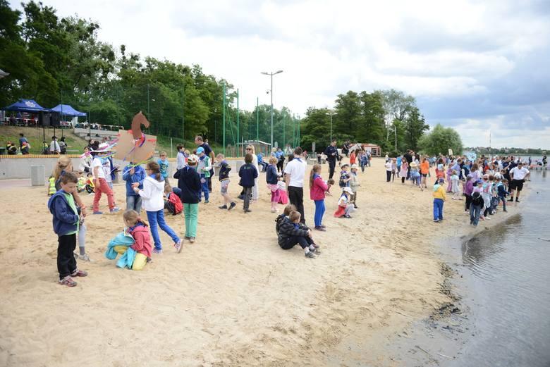 Plaża w Lusowie  (gmina Tarnowo Podgórne) jest położona nad Jeziorem Lusowskim. W pobliżu znajdziemy mnóstwo miejsc do rekreacji: kompleks boisk sportowych,