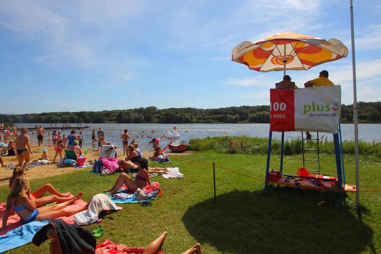 W Wielkopolsce znajdziemy wiele malowniczo położonych jezior i pięknych plaż. Nie wiesz gdzie udać się na letni wypoczynek lub spędzić czas nad wodą