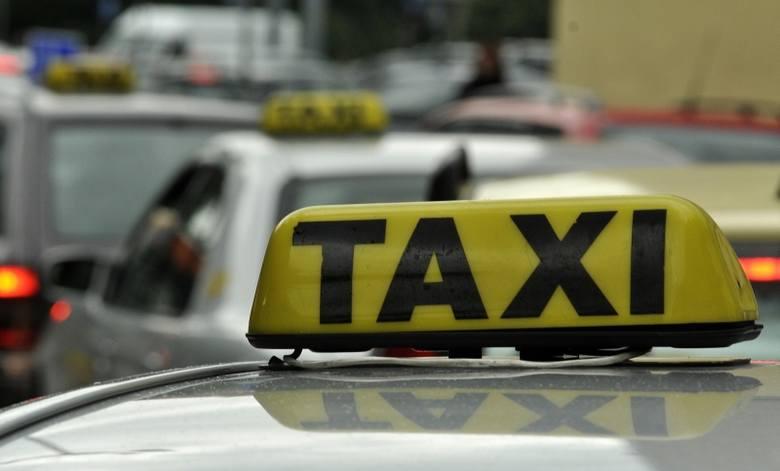 Taksówki na buspasach. Od nowego roku na ul. Branickiego (zdjęcia)