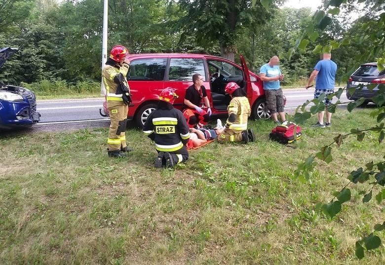 Do wypadku doszło w niedzielę, 28 lipca, na drodze wjazdowej do Gorzowa, przed skrzyżowaniem z drogami do Wojcieszyc i Wawrowa. Zderzyło się pięć samochodów