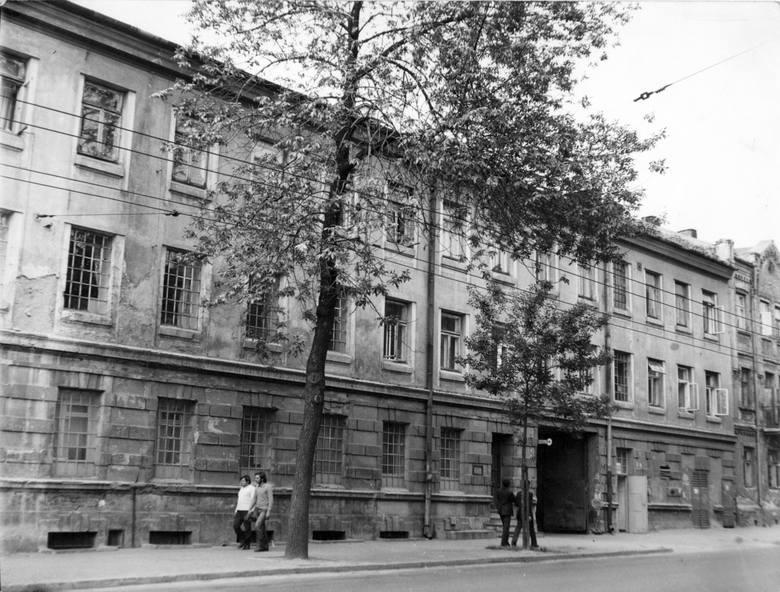 Fragment zabudowań dawnej Fabryki Wag Wilhelma Hessa, ulica Lubartowska 58, około 1975 roku