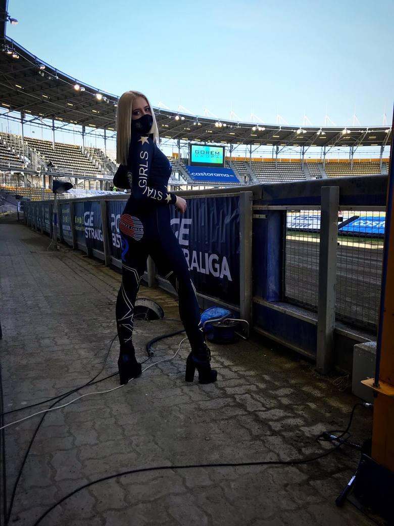 Nikola Okulicz, nowa piękna blondwłosa podprowadzająca Stali Gorzów chce wziąć przykład z Bartosza Zmarzlika