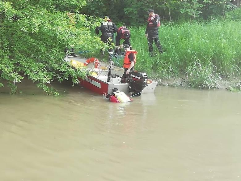 W rzece Mleczce w Przeworsku znaleziono zwłoki mężczyzny