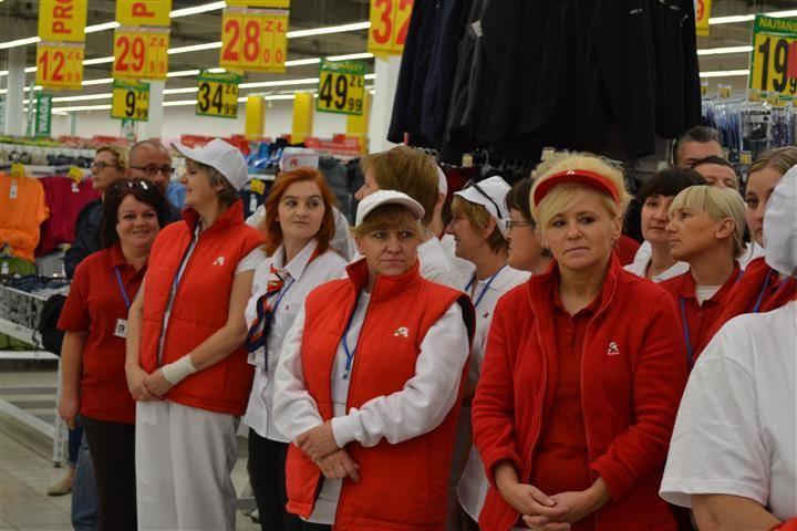 Lita płac: Auchan i Carrefour
