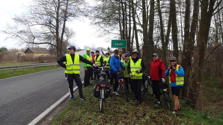 Grupa Rowerowa Zwoleń dociera w sobotę do Lasek.