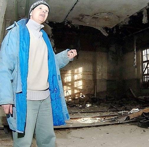 – To jest sala balowa – pokazuje Dariusz Przydatek, kierownik budowy białogardzkiego Domu Kultury. Obiekt, za ponad osiem milionów złotych, przebudowuje