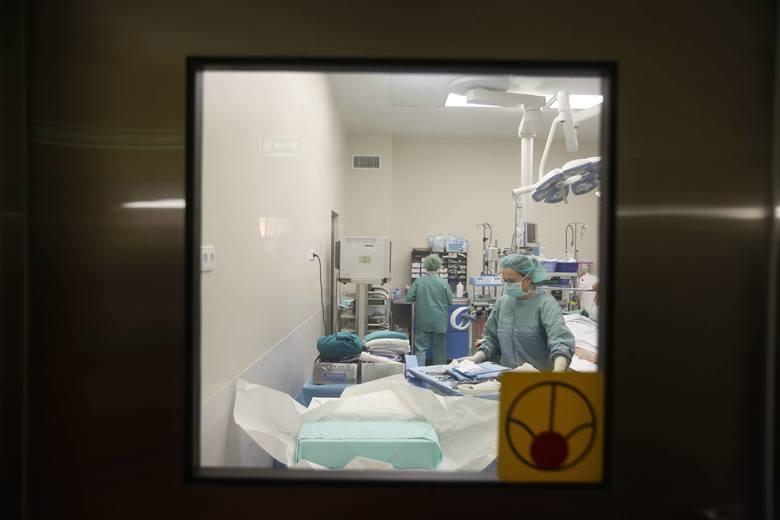W prywatnych szpitalach chory nie czeka latami na operację. Może się jej poddać w ramach NFZ w ciągu miesiąca