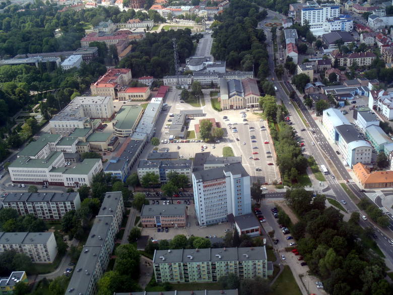 Warto pamiętać, że zabudowa w centrum Białegostoku jest dosyć nowa. Po wojnie centrum było zniszczone aż w 80 procentach.