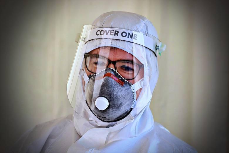 COVID-019 wciąż rozprzestrzenia się w naszym kraju. Ministerstwo Zdrowia podało ostatnie dane, że w Polsce jest już 7771 zakażonych osób. Główny Inspektorat
