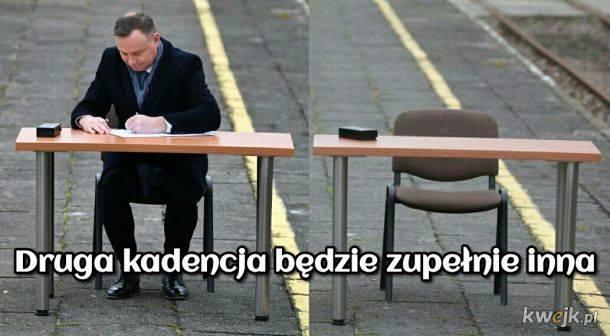 Andrzej Duda zniknął w ostrym cieniu mgły? Gdzie jest prezydent - pytają internauci w memachZobacz kolejne zdjęcia. Przesuwaj zdjęcia w prawo - naciśnij