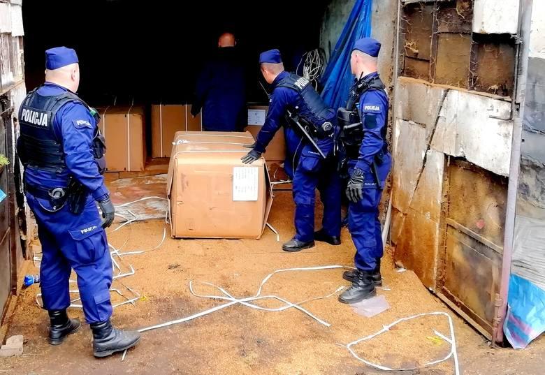 Rawscy policjanci przechwycili 22 tony nielegalnego tytoniu [ZDJĘCIA, FILM]