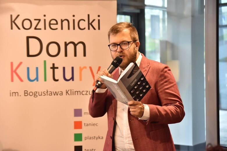 Kamil Koksa człowiek wielu talentów zdobył tytuł Osobowość Roku 2020 w powiecie kozienickim w kategorii Kultura