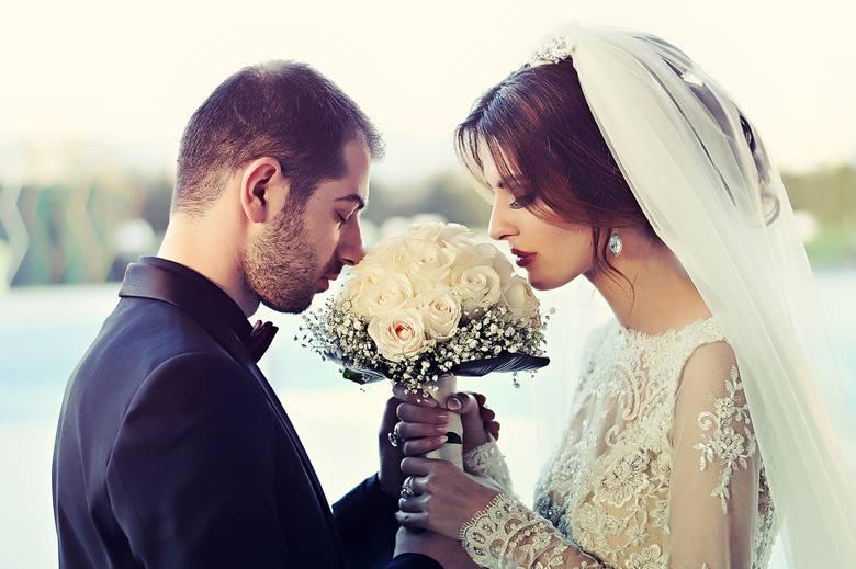 Ślub i wesele a koronawirus. Pary młode boją się, że najpiękniejszy dzień w ich życiu nie dojdzie do skutku
