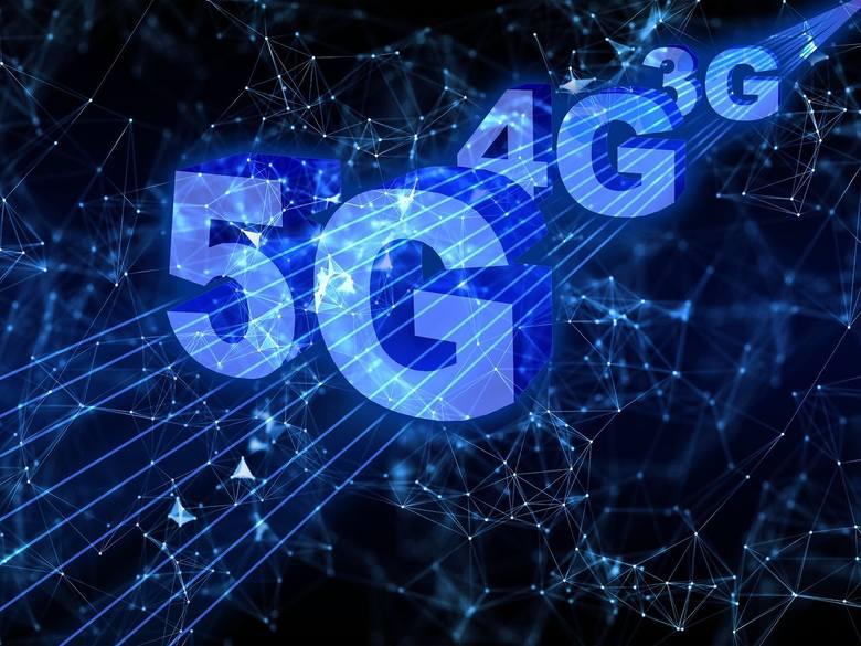 Sieć 5G w czeskim Jeseniku budzi kontrowersje wśród mieszkańców. Ludzie protestują