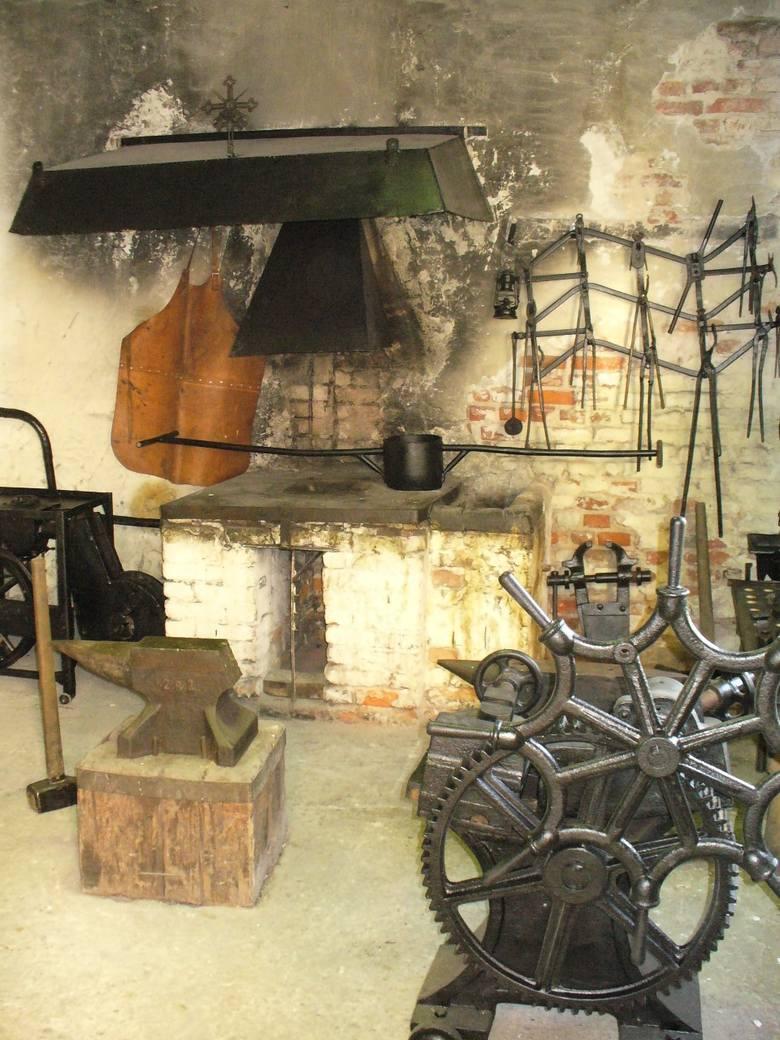 Jak to było w Łapinie. W piecu Starej Papierni esbek akta pali