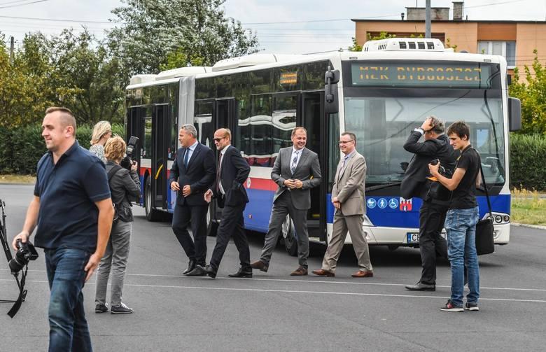 We wtorek (11 września) miasto podpisało umowę na zakup nowych autobusów. Wiosną przyszłego roku na bydgoskie ulice wyjedzie kilkanaście nowoczesnych