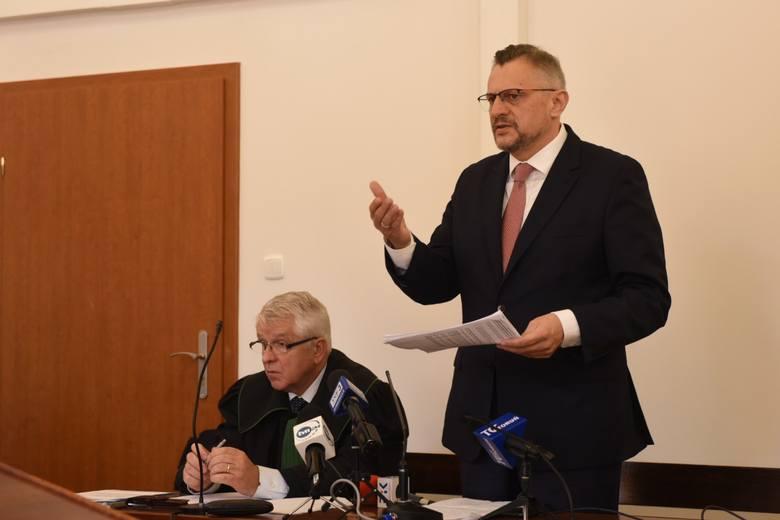Zakończyła się pierwsza w tej kampanii rozprawa w trybie wyborczym przed Sądem Okręgowym w Toruniu. Pozew przeciwko Tomaszowi Lenzowi złożył komitet