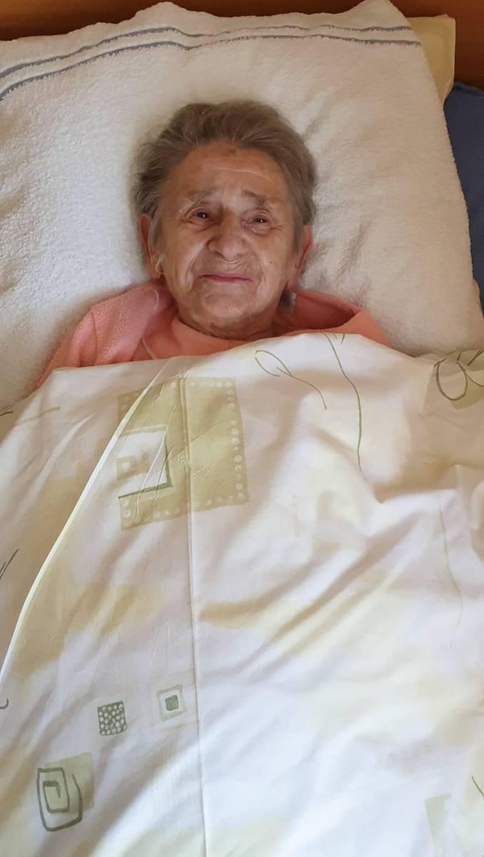 - Wszyscy pytają mnie, jak się czuję po chorobie. A przecież nic mi nie było! - mówi 103-letnia Teresa Wójcik, najstarsza Polka, która pokonała koronawirusa.