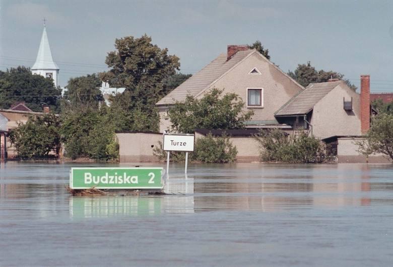 5 lipca - 6 sierpnia 1997: powódź tysiącleciaJedna z największych powodzi, jakie nawiedziła Europę, miała miejsce w lipcu 1997 roku na terenach południowej