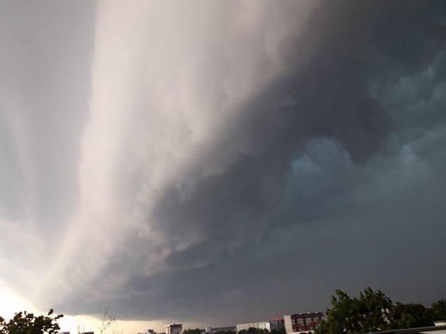 Radar burzowy online 2019: Gdzie jest burza? IMGW wydało ostrzeżenie drugiego stopnia przed burzami z gradem [20.05.2019]