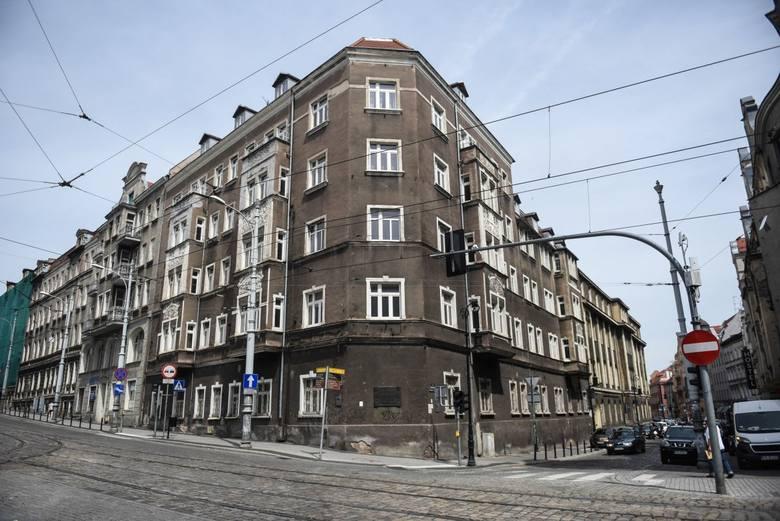 Największą transakcją ubiegłego roku była sprzedaż dawnego Szpitala Miejskiego im. Strusia. Kompleks kupiła firma Medisystem, która prowadzi domy opieki