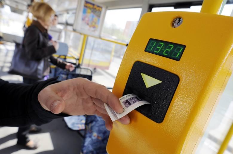 Najwięcej długów do spłacenia mają pasażerowie z woj. śląskiego (114 885 072,09 zł) i wielkopolskiego (112 614 804,5 zł).Przejdź dalej i sprawdź kolejne