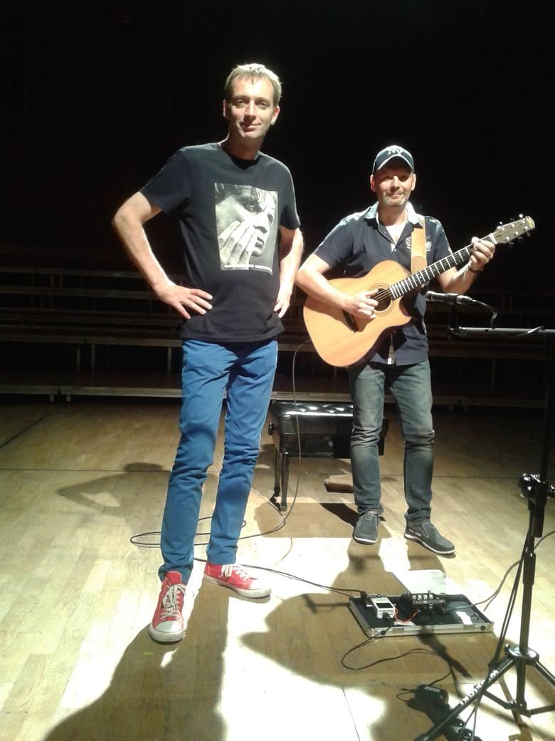 Piotr i Adam tuż przed koncertem