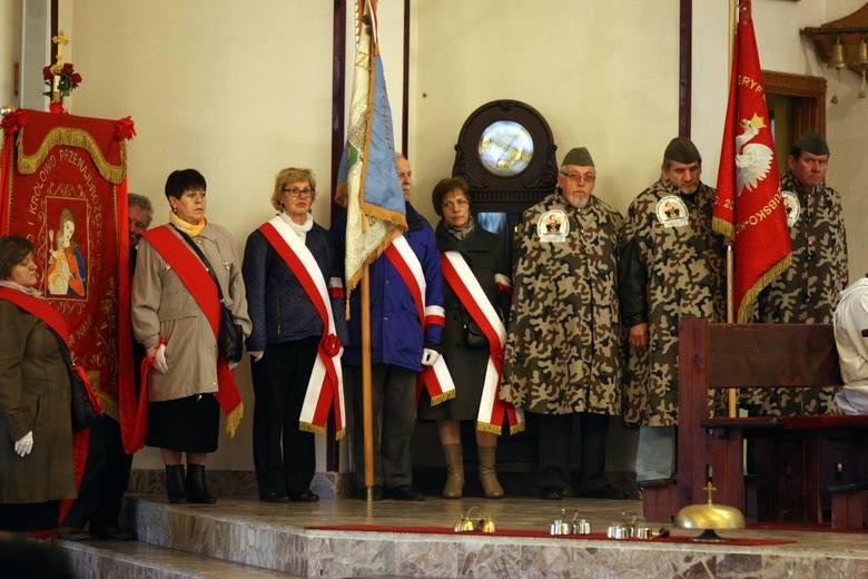 Uroczystości w kościele pw. Niepokalanego Serca Maryi w Gdyni Karwinach w piątą rocznicę lotniczej katastrofy smoleńskiej