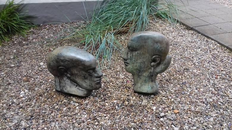 """Rzeźby autora """"Blaszanego bębenka"""""""