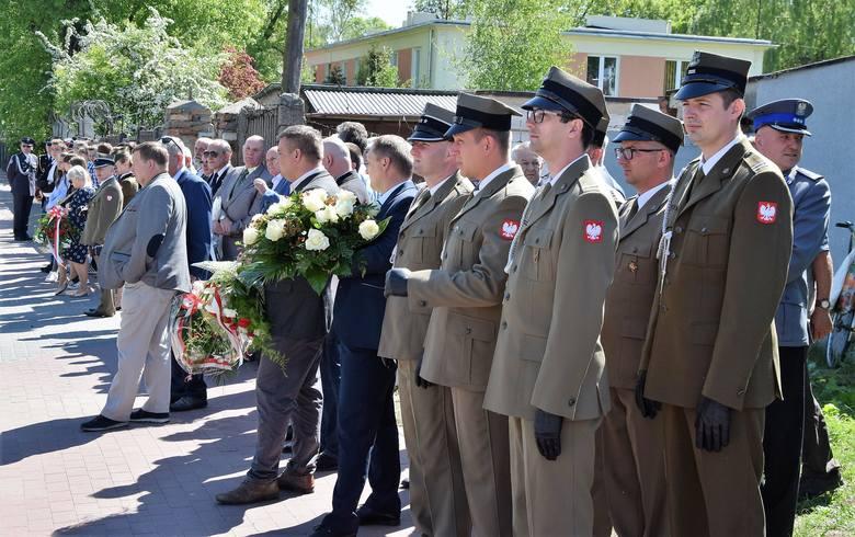 W Inowrocławiu obchodzono 73. rocznicę zakończenia II wojny światowej. Uroczystość odbyła się pod obeliskiem na Błoniach, gdzie w czasie wojny znajdował
