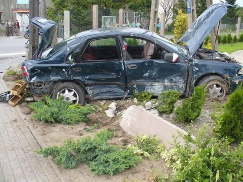 Wypadek w Nowej Wsi. Kobieta wymusiła pierwszeństwo [zdjęcia]