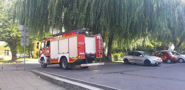 Internauci poinformowali nas, że dziś rano w jednym z wieżowców przy ul. Zwycięstwa w Koszalinie odbyła się akcja straży pożarnej. Jedna z mieszkanek,