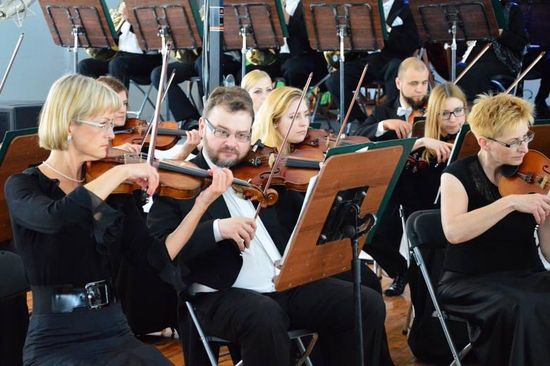 13 lipca w Darłowie wystartował festiwal Media i Sztuka. Na początek tradycyjnie już można było wysłuchać koncertu w wykonaniu Filharmonii Koszalińskiej.