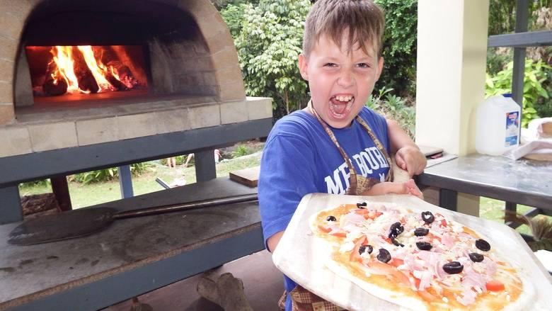Gdzie w Łodzi można zjeść najlepszą pizzę? Zapytaliśmy o to internautów. Na kolejnych slajdach znajdziecie listę wskazanych przez nich lokali. Te, które