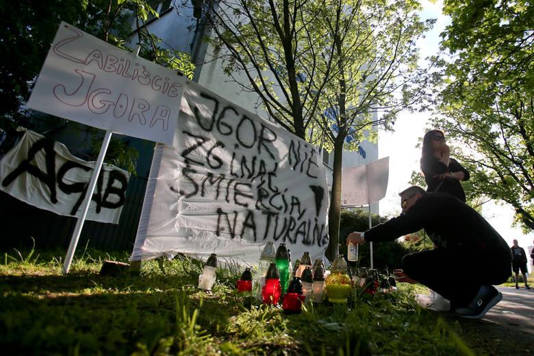Protest przed komisariatem po śmierci zatrzymanego mężczyzny