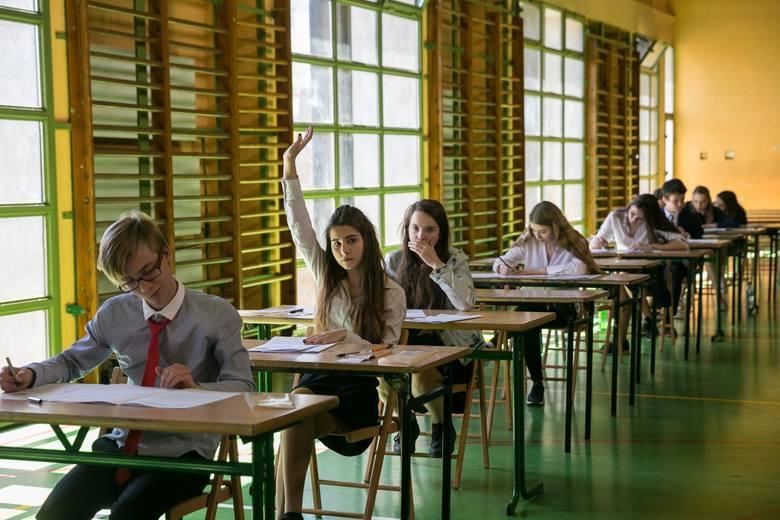 Egzamin gimnazjalny 2019: język angielski, język niemiecki, matematyka i przyroda.