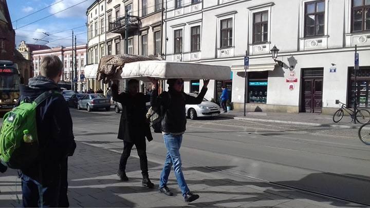 Kraków. Dziwny jest ten świat, a pod Wawelem to już w ogóle. Sami zobaczcie [GALERIA] 17.02.