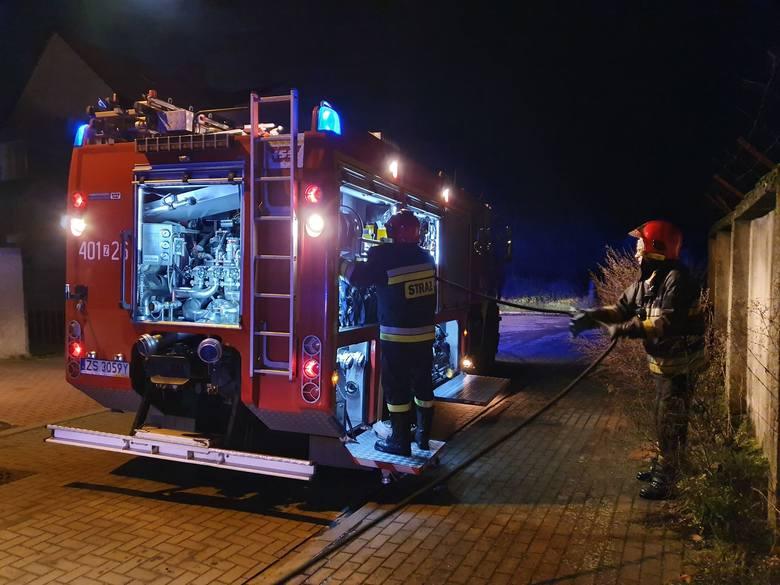 W czwartek około godz 20:30 doszło do pożaru w kotłowni przydomowego warsztatu na ul. Skłodowskiej w Białogardzie.Jak udało nam się ustalić na miejscu