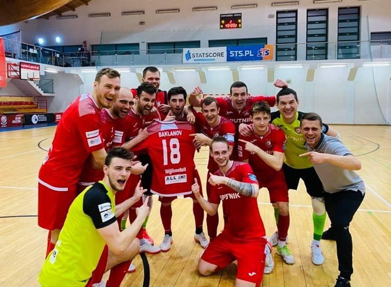 Andrey Baklanov - to pochodzący z Łotwy zawodnik Red Dragons Pniewy, który podczas ostatniej przerwy na kadrę doznał kontuzji stawu skokowego i przeszedł
