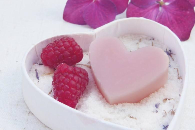 Sól kuchenna świetnie pochłania wilgoć i nieprzyjemne zapachy.