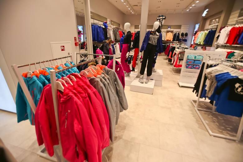 Jedną z branż szczególnie zagrożonych jest dziś sektor odzieży i mody, dający w Polsce zatrudnienie setkom tysięcy osób. Inne powiązane branże też mogą