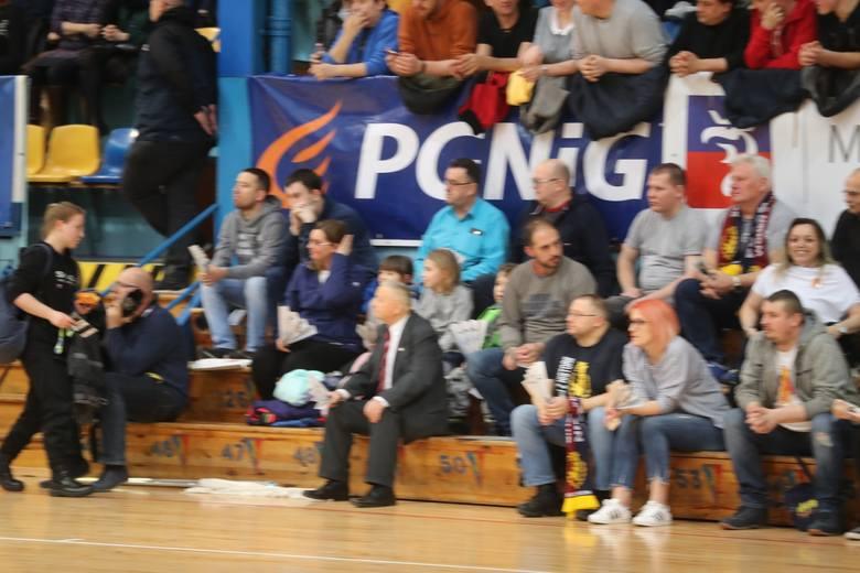 Kibice na meczu SPR Pogoń - AZS Koszalin.