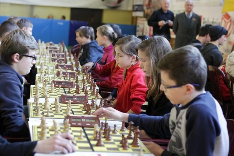 Młodzi mistrzowie w szachach