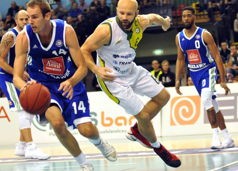 W 2. kolejce Polskiej Ligi Koszykówki, Miasto Szkła Krosno przegrało u siebie z Anwilem Włocławek 57:88 (13:20, 14:26, 9:27, 21:15).Słabo to wyglądało.