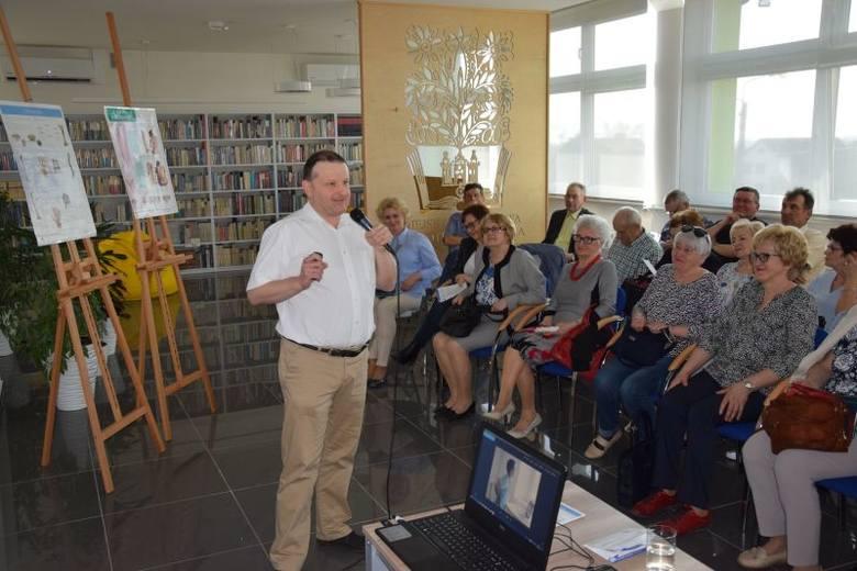 Radziejowski oddział Uniwersytetu Trzeciego Wieku zorganizował dla swoich słuchaczy kolejne spotkanie w Miejskiej i Powiatowej Bibliotece. Wykład o bólach