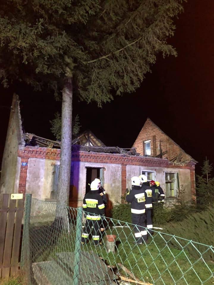 W poniedziałek przed godziną 5.00 OSP Wojnowo została wezwana do pożaru budynku gospodarczego w Mochlu (gm. Sicienko). Jak informują strażacy z OSP Wojnowo,